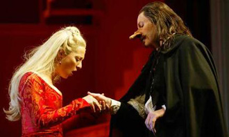 David Wenham as Cyrano de Bergerac with Asher Keddie as Roxane. © Melbourne Theatre Company
