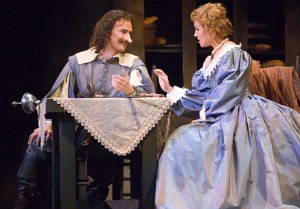 Cyrano (Marian Pop) and Roxane (Leah Partrigde) © Photo: John Grigaitis